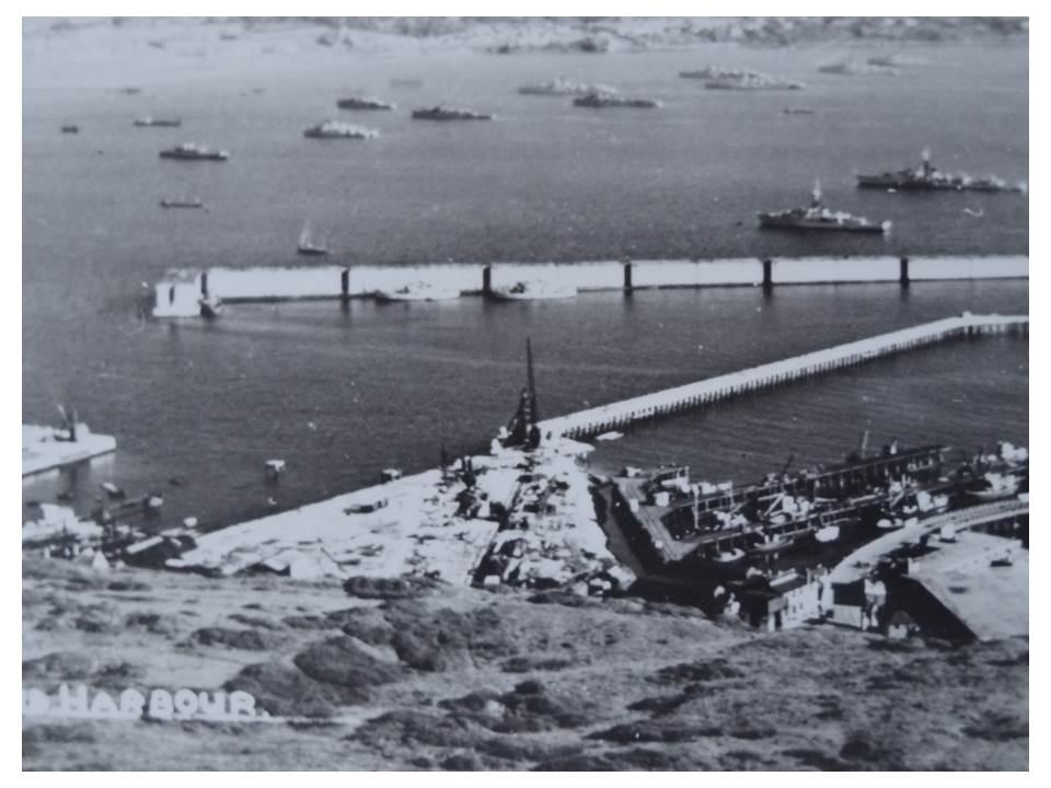 109_12-Fleet&Mulberry_Harbour