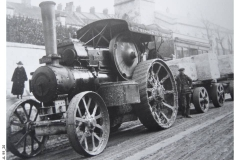 99_20-Traction_Engine_in_Fortuneswell