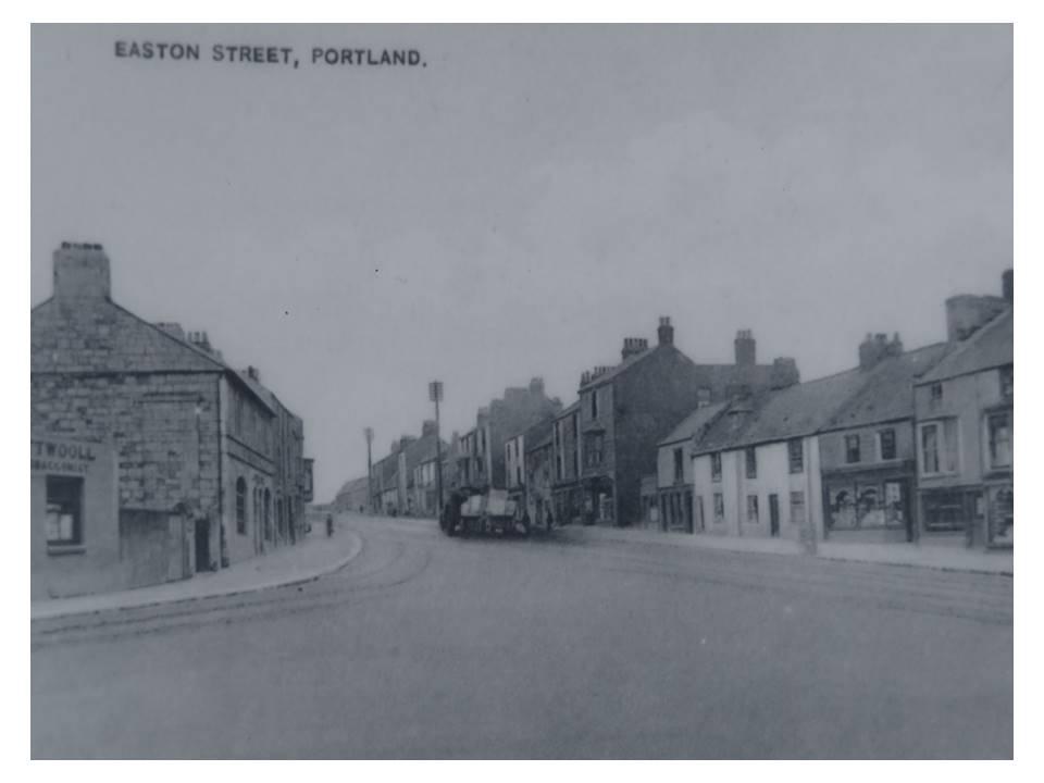 60_5-Easton_Street